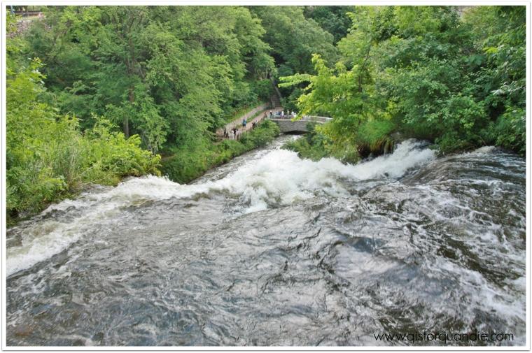 minnehaha falls top