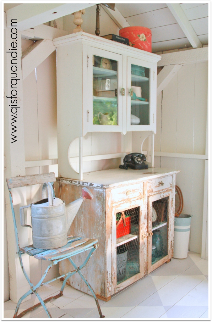 photo cottage cabinet