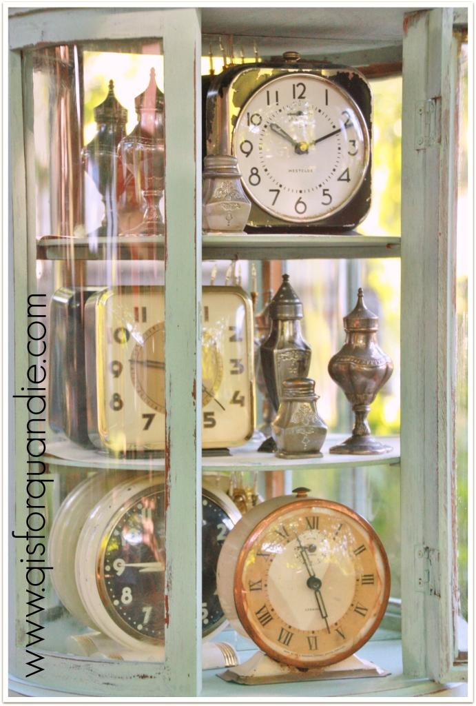 Sweetie Jane cabinet clocks