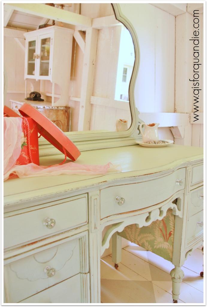 vanity minty fresh