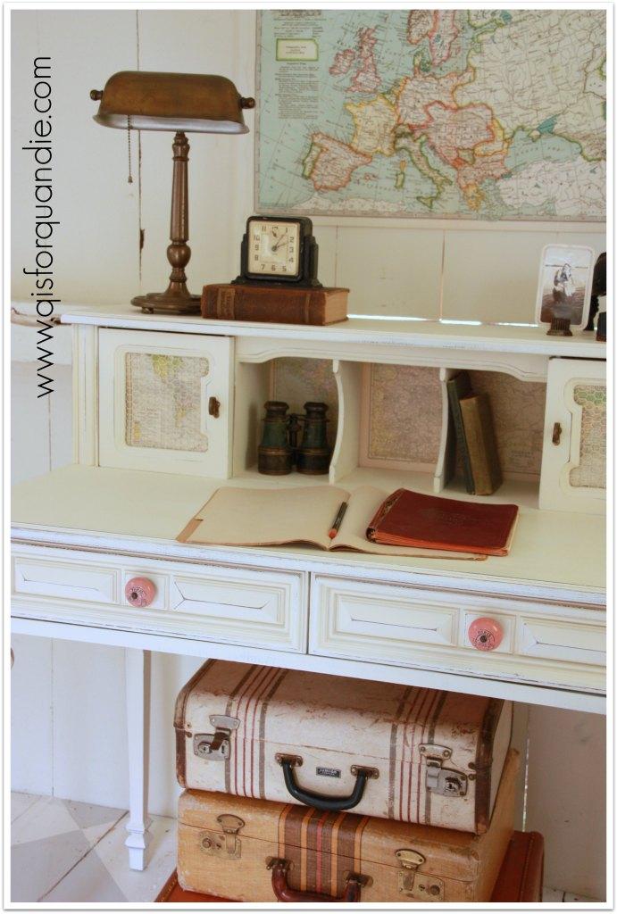 travel desk on angle