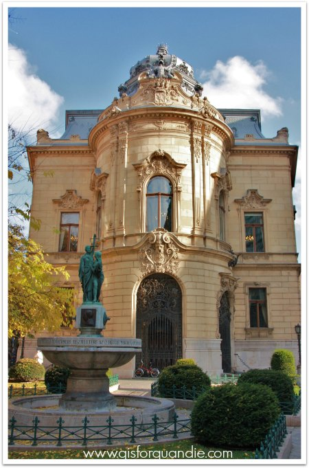 budapest library exterior