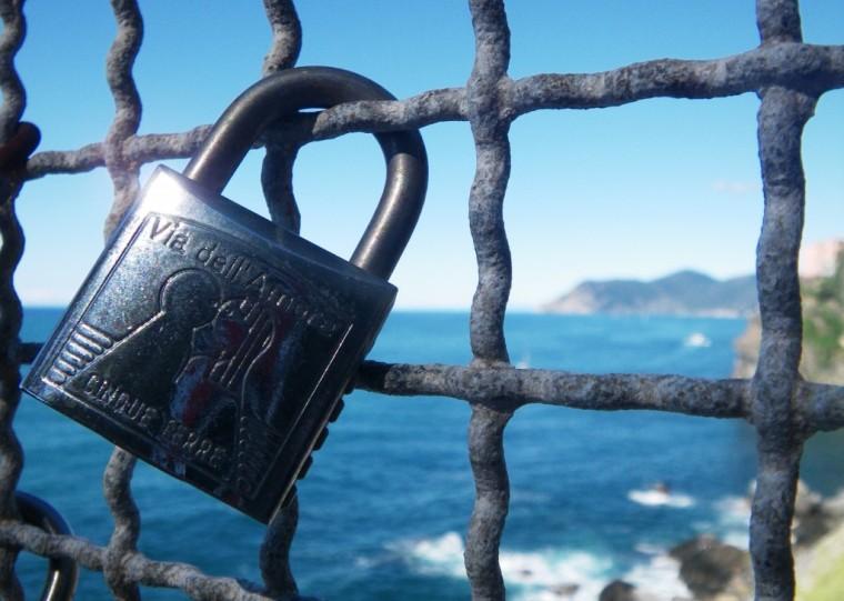 cinque terre love lock