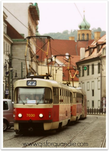prague tram color