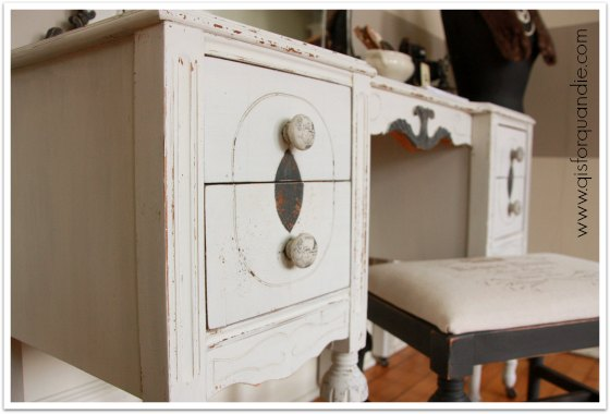 dressing table painted in MMS Grain Sack milk paint