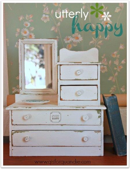 utterly happy dresser