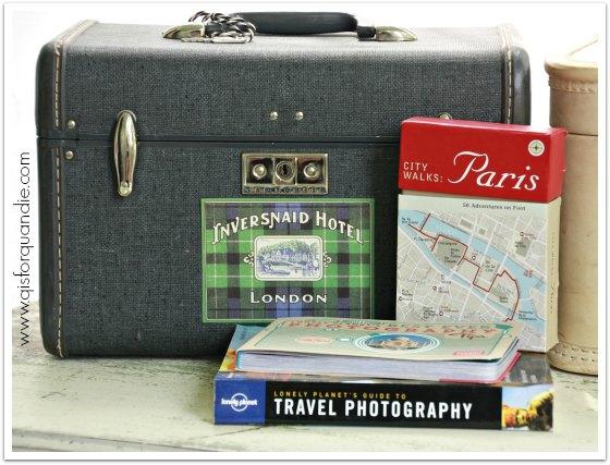 vintage train case 2