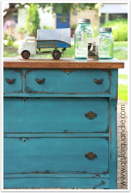 blue dresser corner