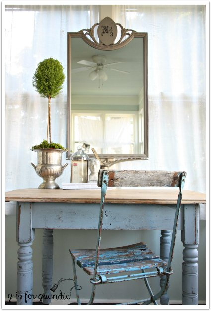 grey mirror with farmhouse table