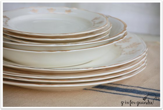 plates gold 2