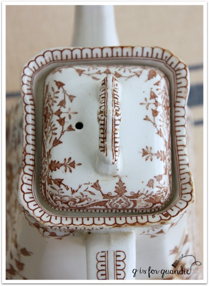 transferware tea pot top