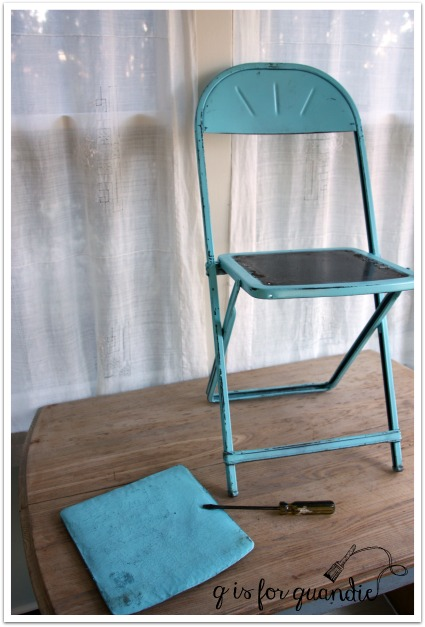 blue chair without seat