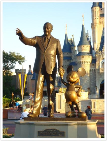2013 Walt statue