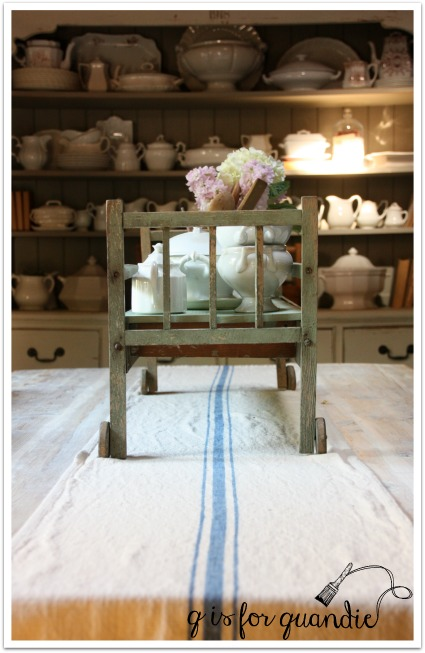 doll bed centerpiece