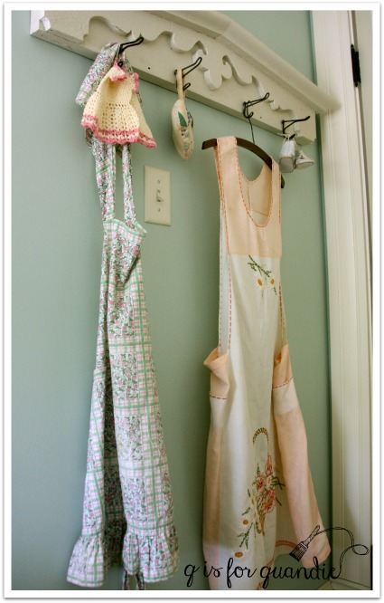 girls room hooks