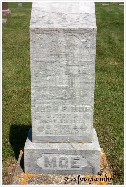 Moe headstone