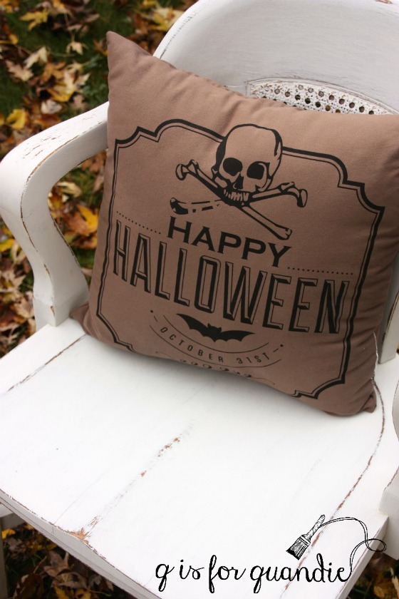 happy-halloween-pillow