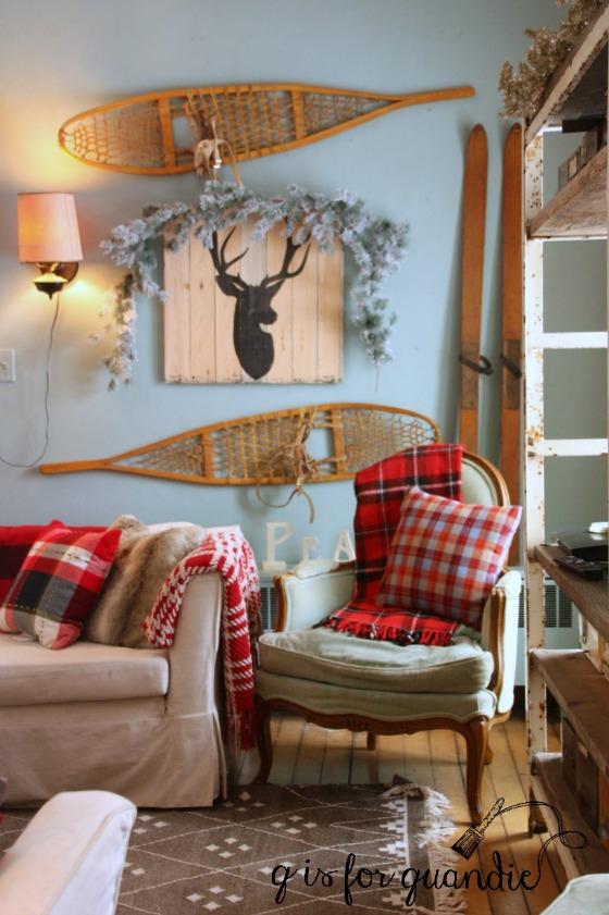 amys-living-room-wall