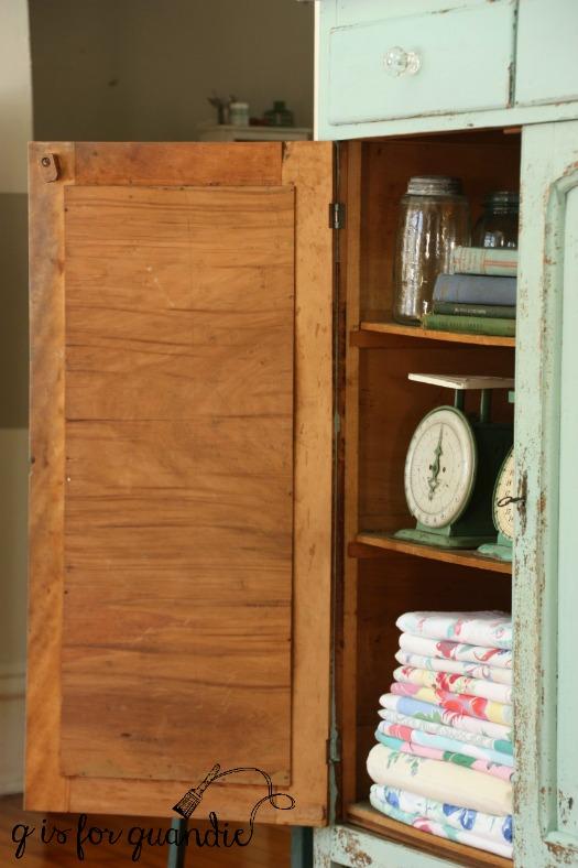 cupboard-inside